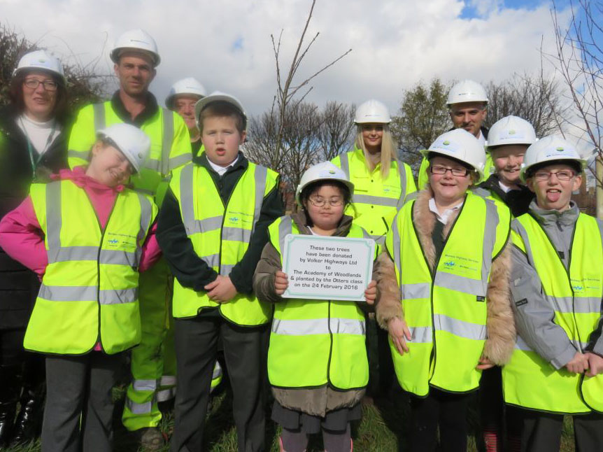 Tree planting Medway2